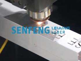 1000W fiber laser cutting machine.jpg